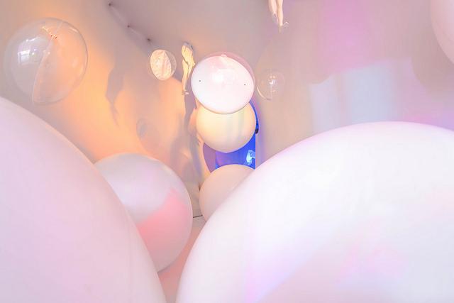 ambiente bolas flutuantes